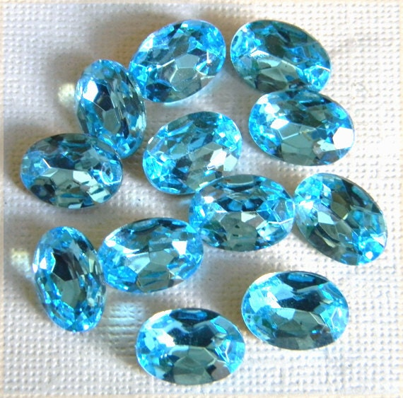 Vintage Czech Glass Oval Aqua Blue Faceted Foiled Rhinestone Stone 14mm x 10mm - 12 pcs.