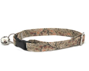 Garden in Beige Adjustable Cat Collar