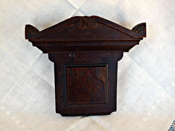 architectural decorative piece