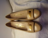 Vintage Salvatore Ferragamo  Shoes Size 6.5 B all leather  Tan made in Italy