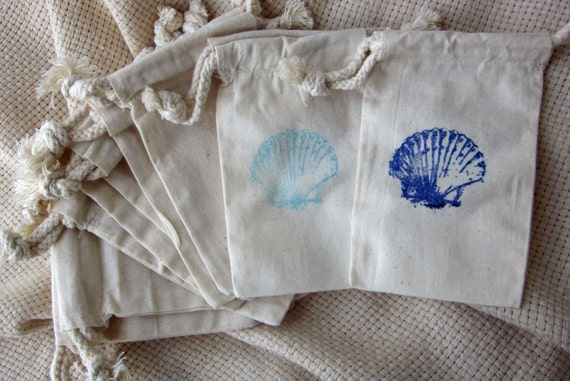 Beach Wedding Favors, Seashell Large Stamp Beach Wedding Favors Set of 10