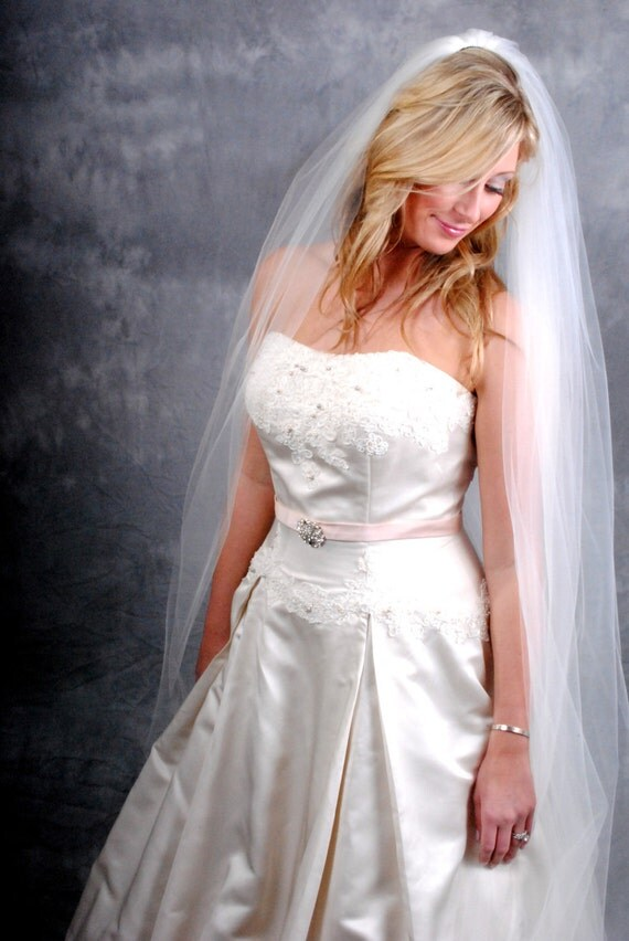 Ivory, Cathedral length, Plain edge veil