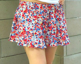 Full Circle Mini Skirt,  Rose Flowers, American flag  skirt ,Size Large Flirty Skater Skirt, Red floral mini skirt made from cotton fabric.