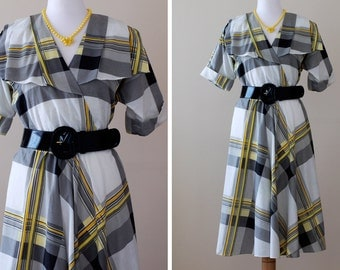 SALE 1980s Linear Dress / 80s Dress Graphic  // Changing Lanes, Treasury Item