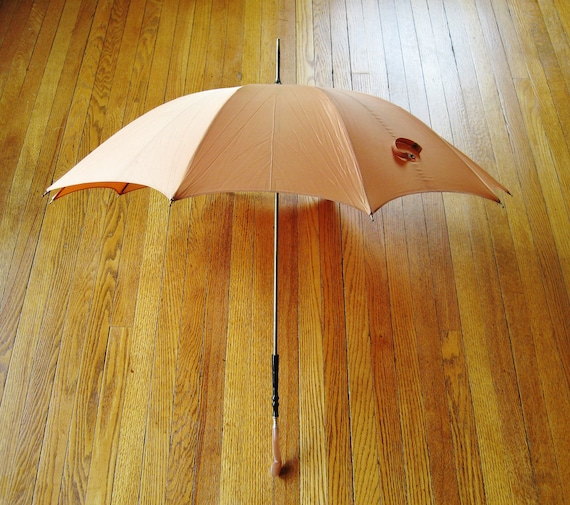Rain or Shine // Vintage pk Parasol Umbrella
