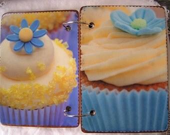Cupcake wooden book