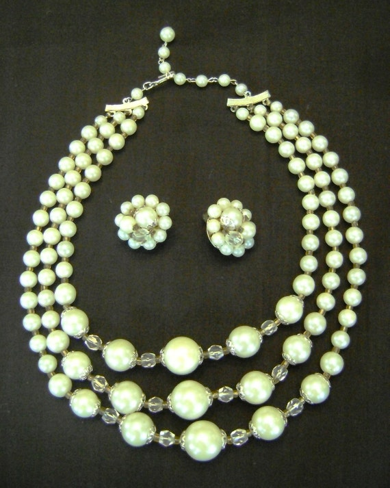 how to clean vintage faux pearl necklace