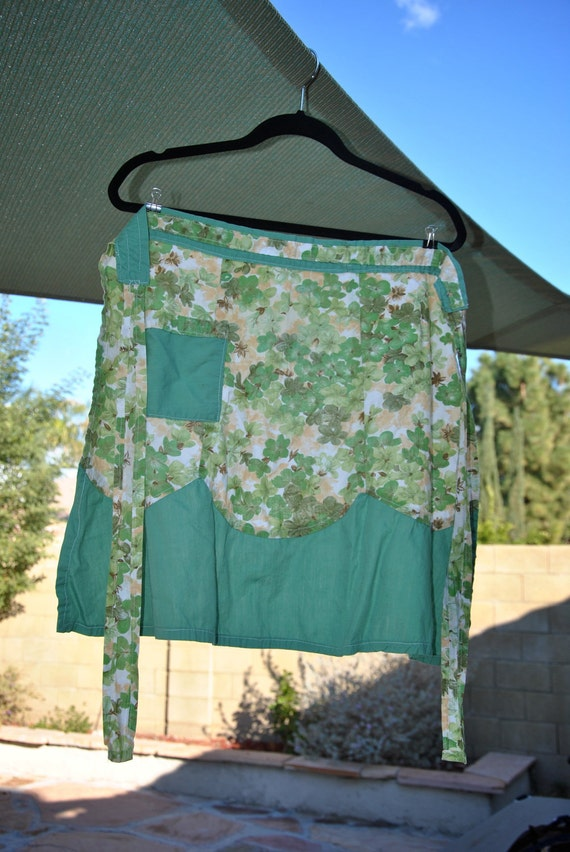 Vintage Green Floral Apron w/ Pocket