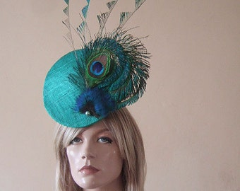 Jade Green Upright Convexed Disc with Peacock Fan and Zig Zag Cut Feathers Fascinator Hatinator Hat - Ascot