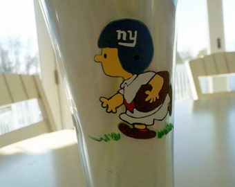 decorative peanuts gang inspired   superbowl football giants patriots charlie brown linus lucy snoopy woodstock hand painted wine glass cups