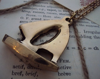 Simple nautical ship necklace