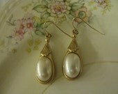 1980s Dona Karen DKNY Pearl Drop Earrings