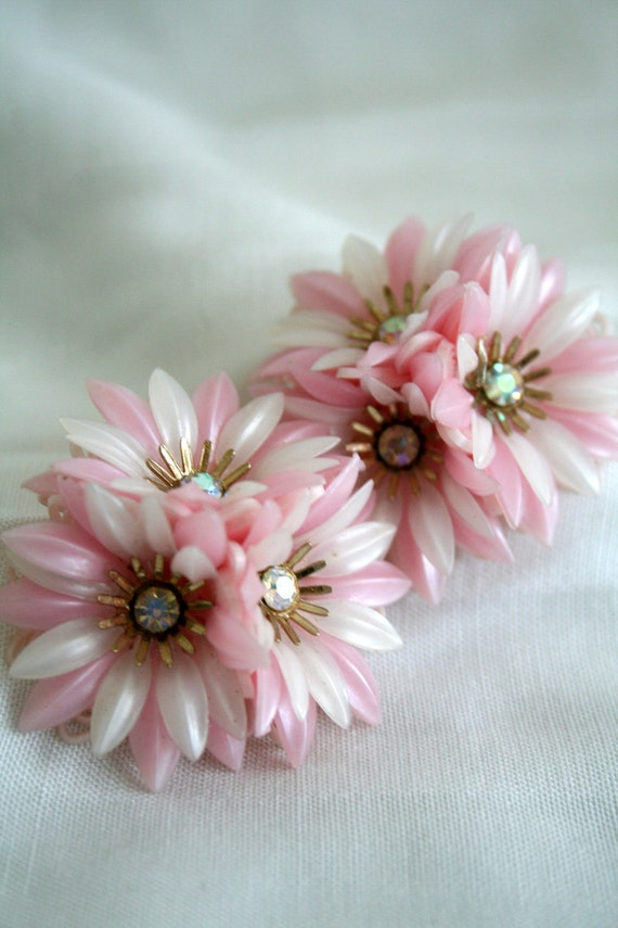 Vintage Pink Plastic Rhinestone Daisy Earrings Coro