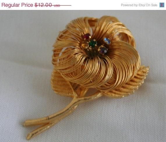 SALE Vintage Flower Brooch with Rhinestone Stamens