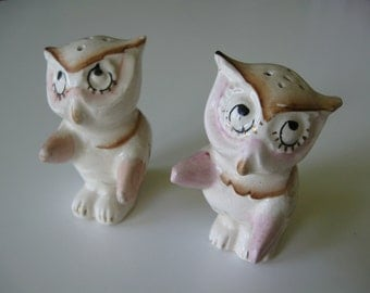 Owl Salt & Pepper Shakers Ceramic/Porcelain from the 1940s Japan