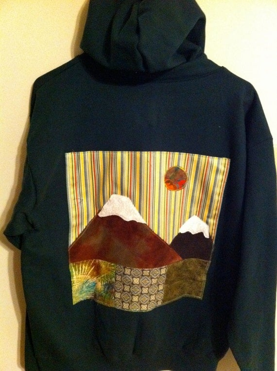 I Love Mountains green hoodie size medium