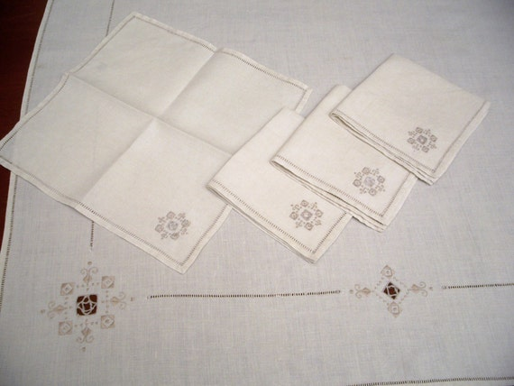 Off White Linen Vintage Embroidered Tablecloth with Four Matching Napkins, Cutwork and Drawnwork