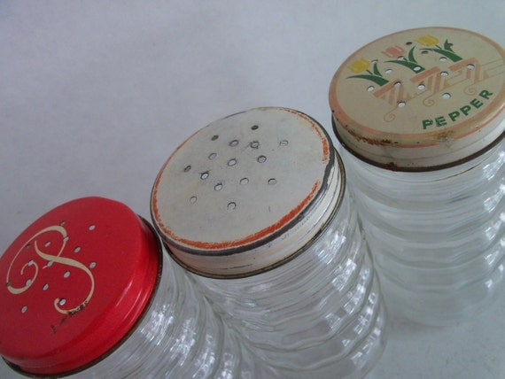Vintage Shakers - Fire King, Anchor Hocking Salt Pepper Hoosier Shakers Clear Glass Shakers