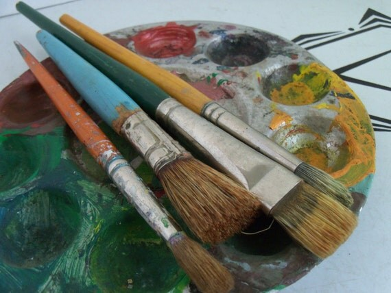 Vintage Paint Brush - Set of 4 Art Paintbrushes with Mixing Tray Instant Collection Artistic Items