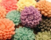 Beautiful Vintage Mum Resin Flower Cabochon Flatback 20mm Sampler Lot of 6