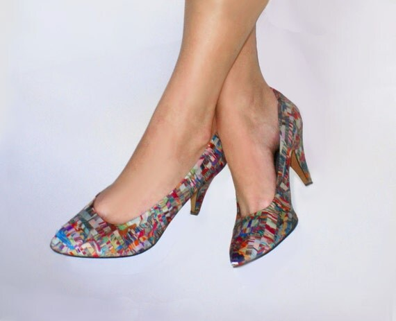 MultiColor Heel  Mosaic Shoes . pumps  . 1980s . Multi Color Shoes . spring trends . spring fashion .  size 8