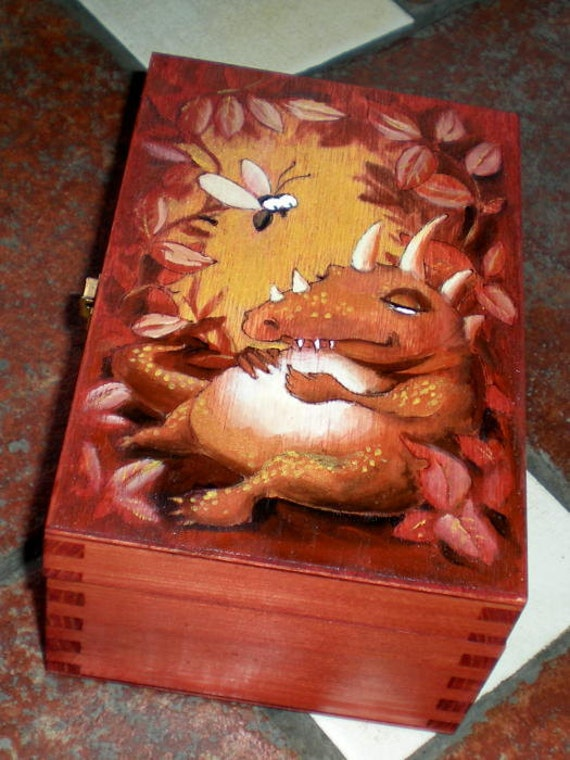 Garden dragon. Hand painted box