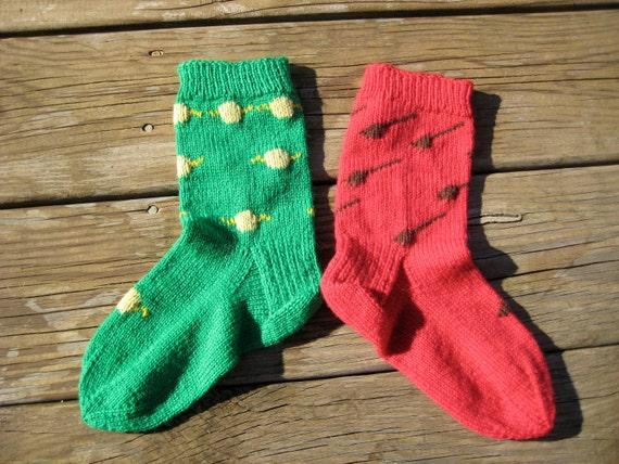 """Harry Potter """"Dobby Socks"""" Red, Green, Broomsticks and Snitches"""