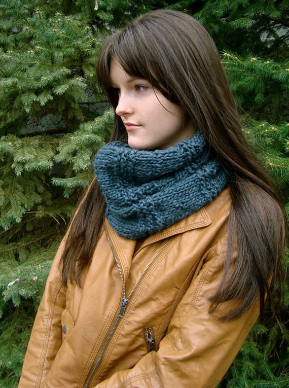 Grey Knitted Cowl Infinity Scarf, Chunky Thick Luxuriously Soft for Autumn or Winter, Circle Scarf
