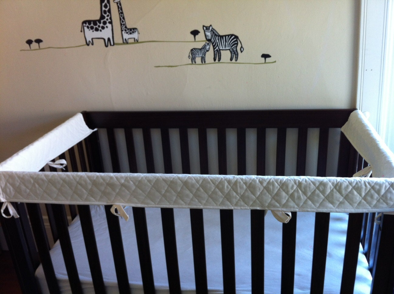 Crib protector for babies -  Zoom