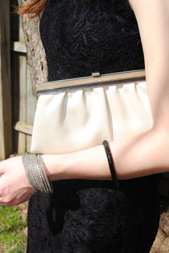 Vintage Mother of Pearl Ladylike Clutch /// Metallic Purse