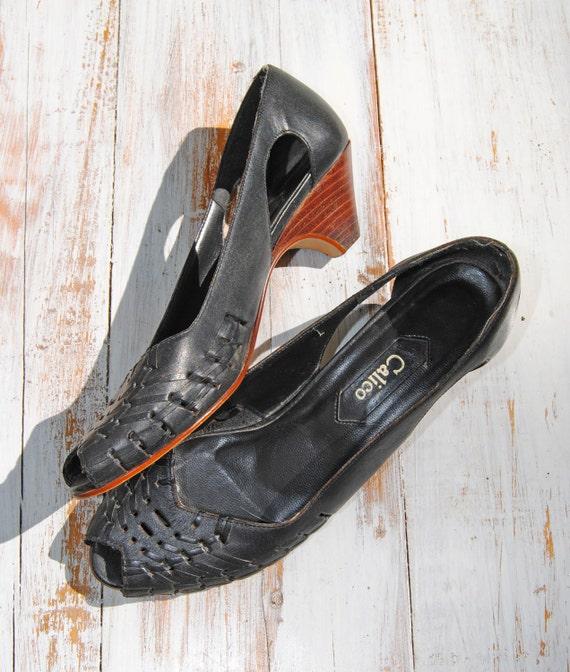 Black Woven Leather Cutout Vintage Peep Toe Heels // Size 7