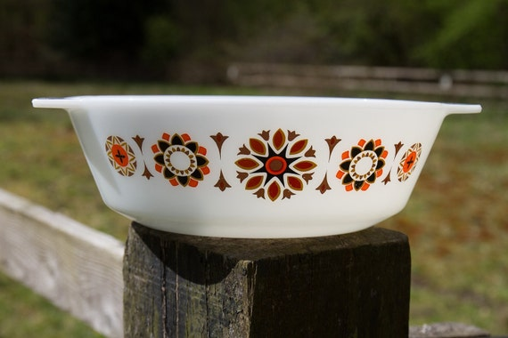 Reserved for Marcella: Vintage Pyrex casserole, Toledo
