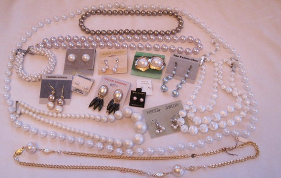 Vintage Costume Jewelry Lot All Unworn in Excellent Shape Original Cards costume jewelry faux pearls