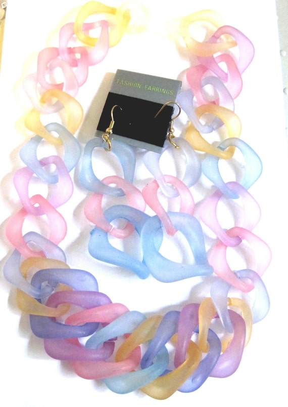 Frosted Jelly Link 3 Piece Lucite Necklace Set Old Stock KOREA costume jewelry vintage jewelry lucite jewelry