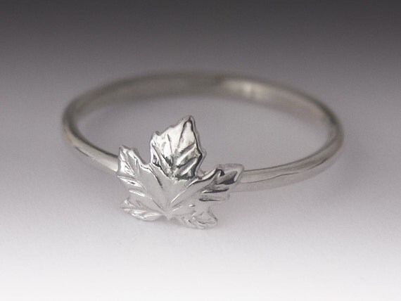 maple leaf ring stackable sterling silver maple leaf ring
