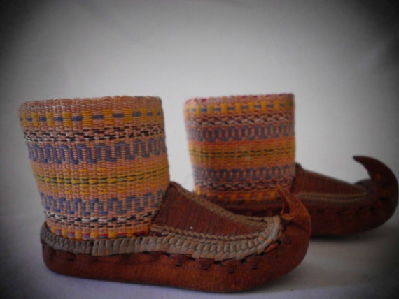 PERUVIAN WOVEN SHOE samples miniature