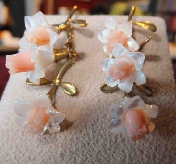 j3240 White Mother of Pearl and Pink Coral Earrings on Brass Floral Findings.