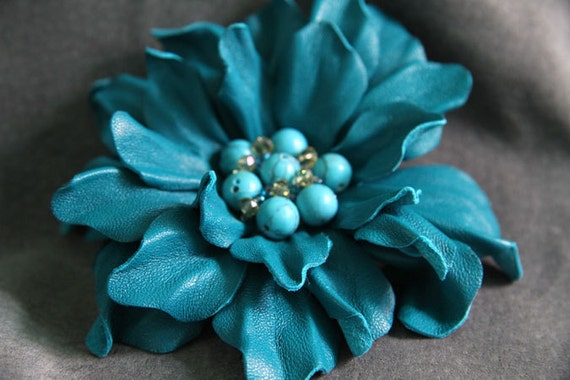 """Leather Brooch """"Turquoise wind"""" art.18V4R51"""