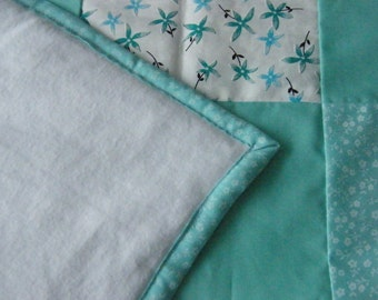 Handmade Green and Floral Diamond design Patchwork Quilt. (to  fit double or kingsize bed. )