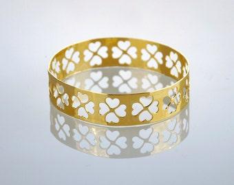 Hearts Bangle , Golden Heart Bracelet , Clover Bangle , Friendship Jewelry , Gift for Girlfriend , Gold Bangle Bracelet , Four Leaves Clover