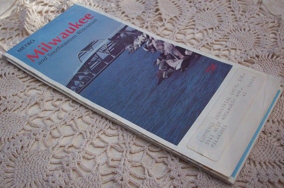 Vintage 1960 Metro Milwaukee and Southeastern Wisconsin Road Map