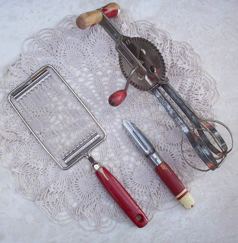 Kitchen Utensils Including Tomato Slicer Vegetable Peeler And