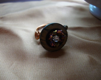 Ring Vintage Button  - Size 5 1/2