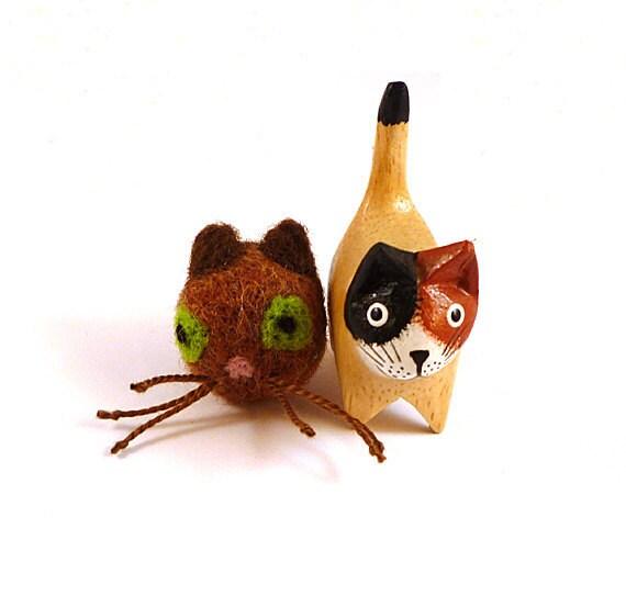 Brown Cat Wool Felt Catnip Cat Toy