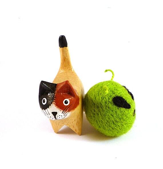 Green Alien Head Felted Catnip Cat Toy