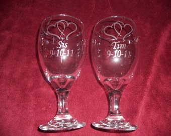Set of 2 personalized etched 16oz wedding toasting glasses/goblets