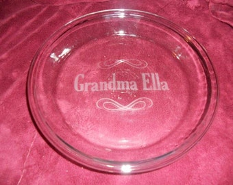 "Personalized etched 9"" pie plate with name and flourish"