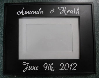 "Black wooden 5""x7"" photo frame with custom vinyl phrase"