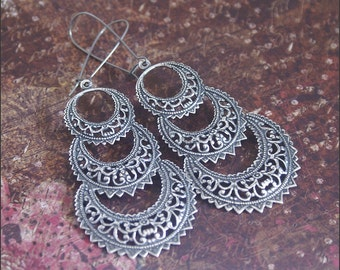 Circle Filigree Earrings-DETAILED Silver Circle Pendant Jewelry-GORGEOUS, Celebrity Inspired, PERFECT Gift Sister, Friend, Daughter, Mother