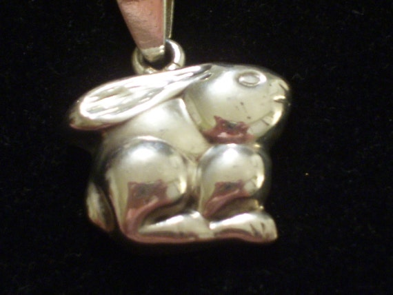 Vintage Sterling Silver Bunny Rabbit Pendant Necklace